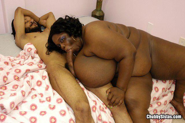 Жирная негритянка Ivy Black занимается сексом