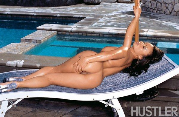 Аизаточка Mya Luanna снимает бикини и показывает каждый сантиметрик своего голого тела