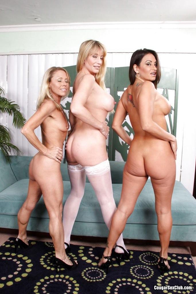 Три зрелые голые подружки