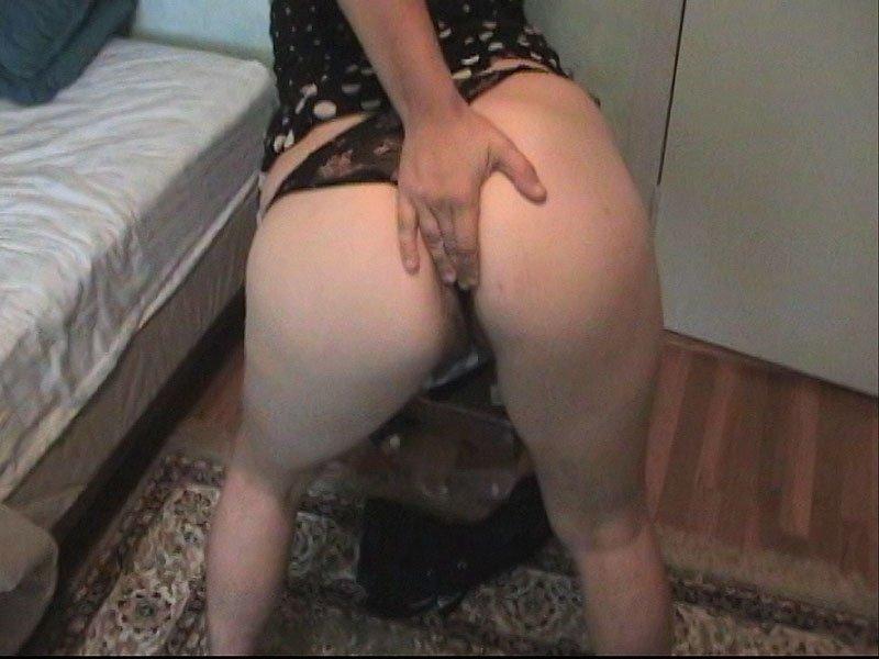 Секс с волосатой брюнеткой Никки