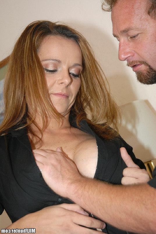 Крутой вагинальный секс с бесстыжей мокрощелкой