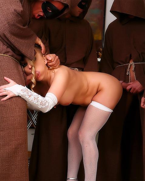 Прихожанка устроила групповой секс с монахами