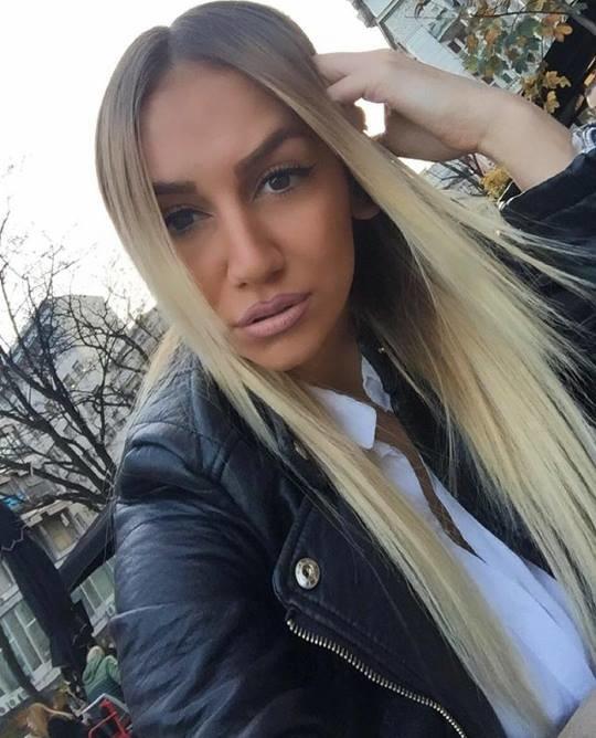 Белокурая красавица из Сербии Макика