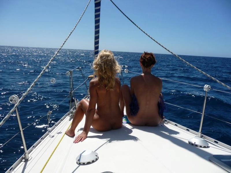Эро отдых с подругой на море