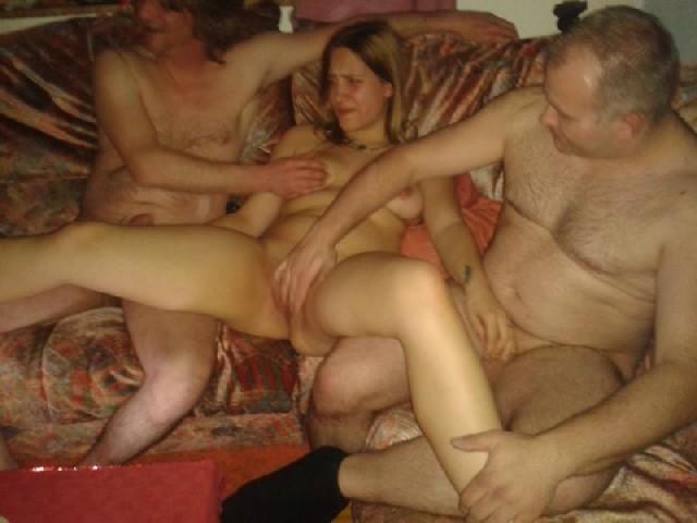 Домашние оргии зрелых семейных пар, отвязные и голые тела  слились в одно
