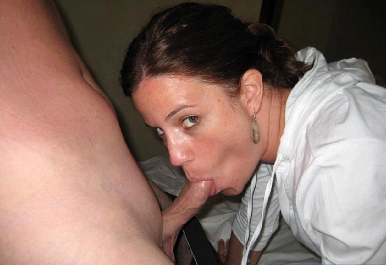 Жена любит, когда ей на лицо кончают другие мужчины
