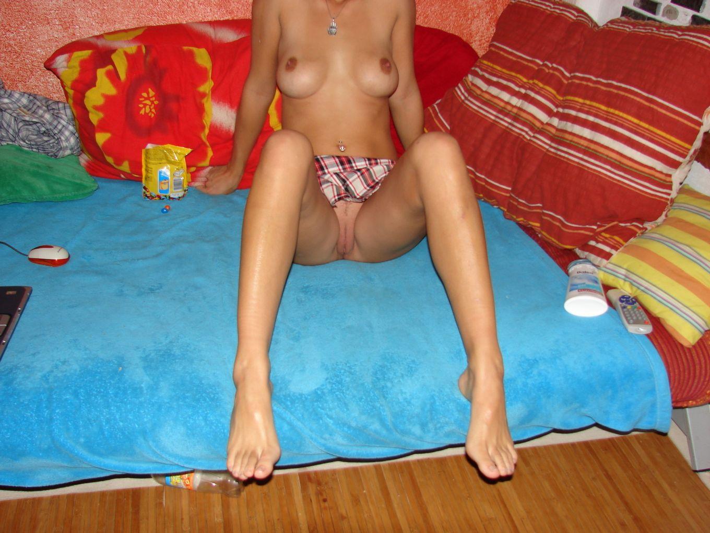 Жене нравится позировать голой