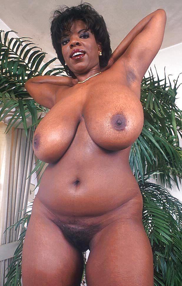 Жирные титьки черных баб
