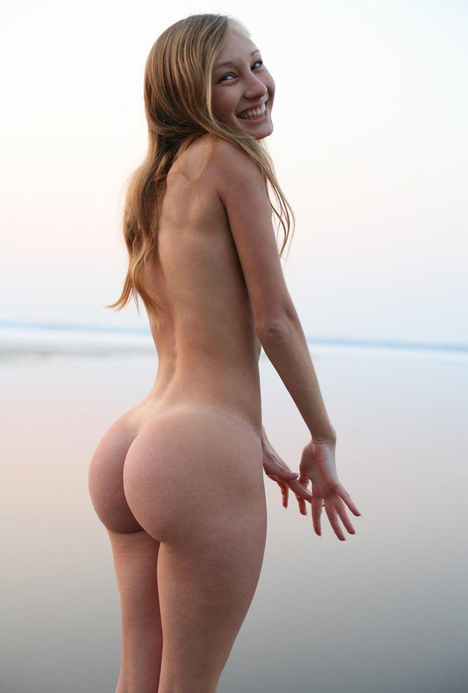 Подборка крупных задниц худощавых красоток