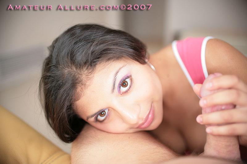 Латина Silvana Ricci наслаждается спермой у себя во рту, после глубокого минета с видом из твоих глаз
