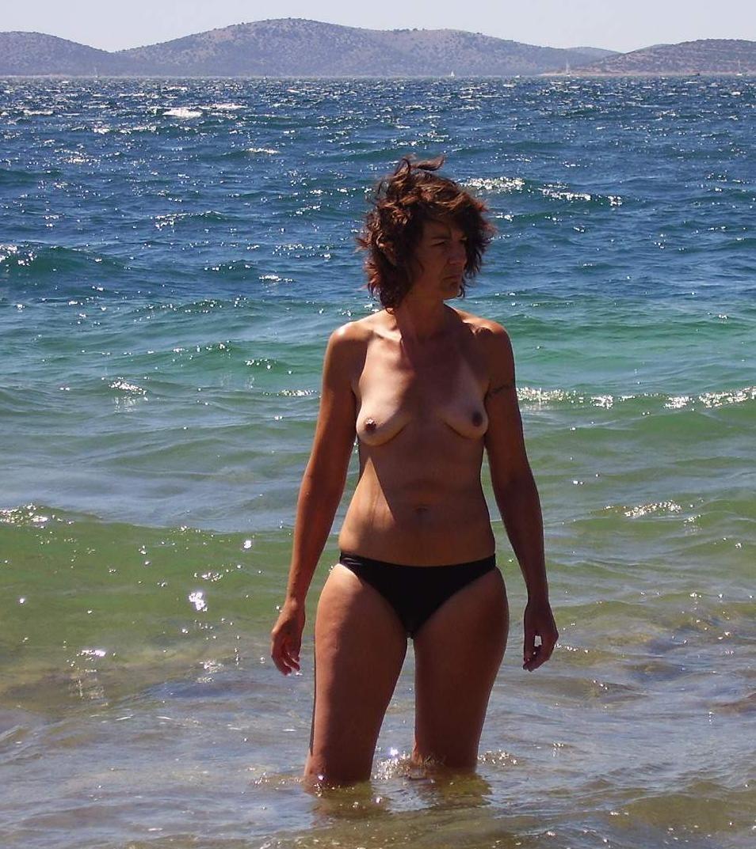 Голые на пляже - подборка 033