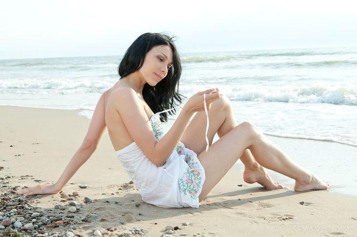 На пляже голые девушки занимаются сексом порно фото порева ебли онлайн