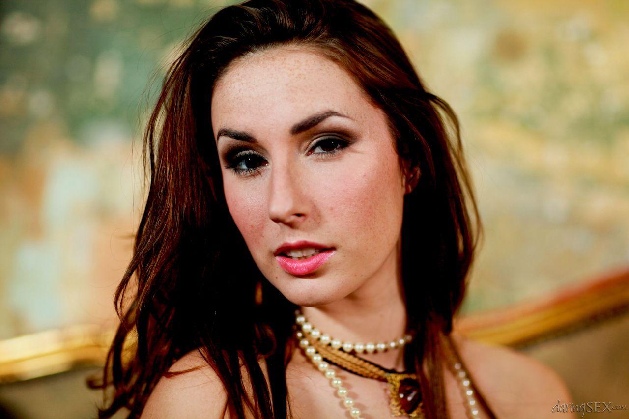 Эксклюзивное портфолио редкой красотки Paige Turnah