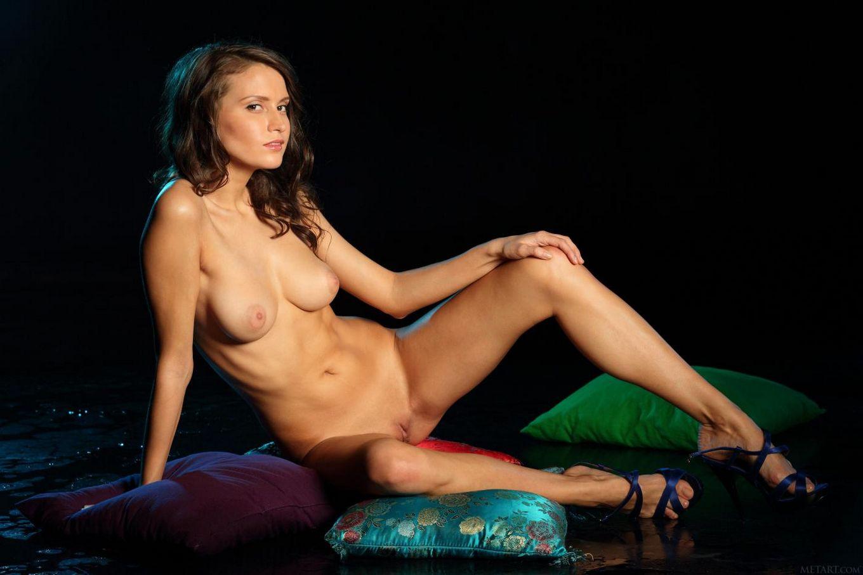 MetArt представляет Alicia Mone Presenting Belinda by Antonio Clemens Часть 2