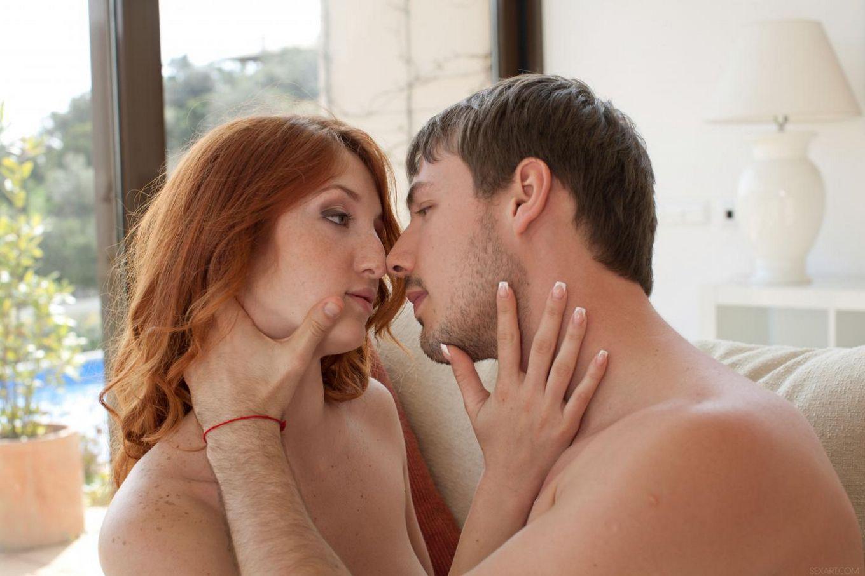 Сенсационная рыжая красотка Red Fox грязно развлекается со своим мужиком