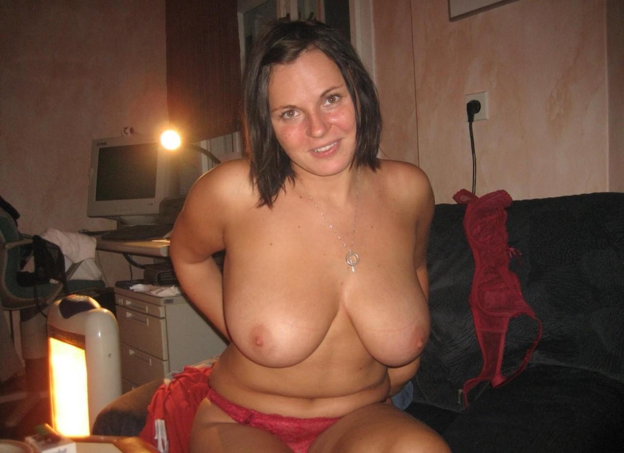 Келли участвует в домашнем порно