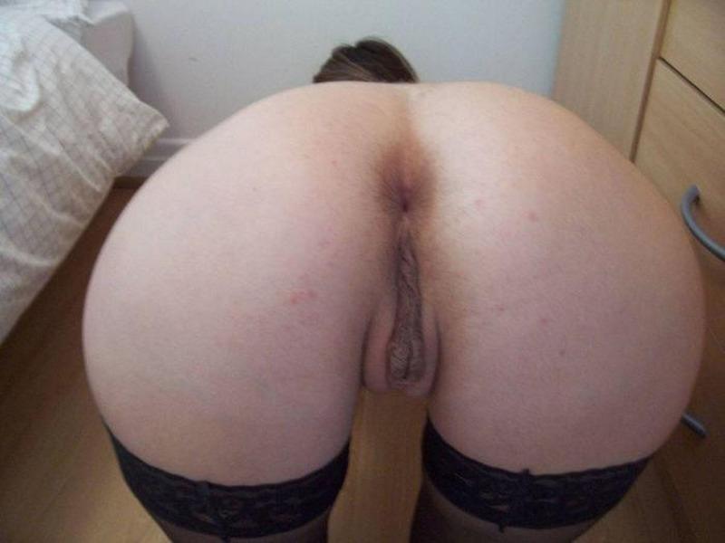 Дерзкая секретарша хочет показать свое эротическое соло