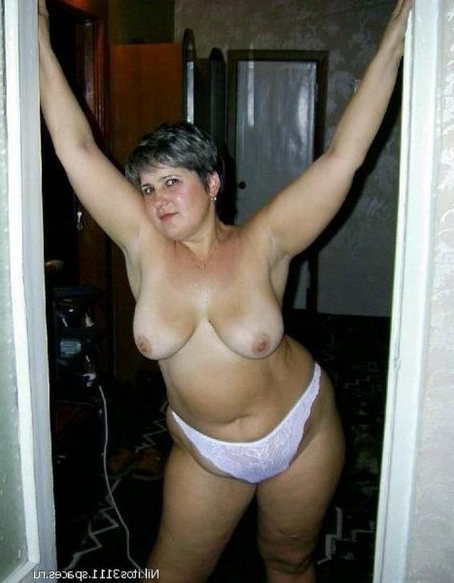 Сексуальные голые женщины имеют аппетитные влагалища
